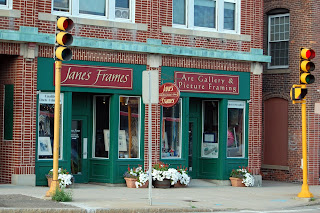 Jane's Frames, East Central St, Franklin