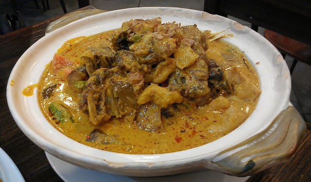 Malacca Straits on Broadway, Sydney, fish head curry