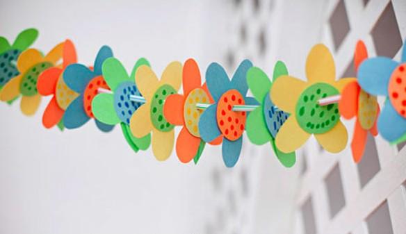 Como hacer guirnaldas infantiles portal de manualidades - Como hacer cadenetas de papel para fiestas ...