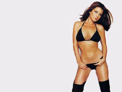 Yasmine Bleeth Bikini Wallpaper