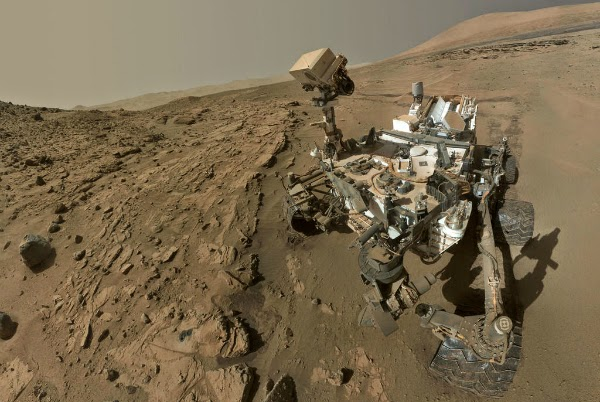Robot Curiosity Menyelesaikan 1 Tahun Mars di Planet Merah