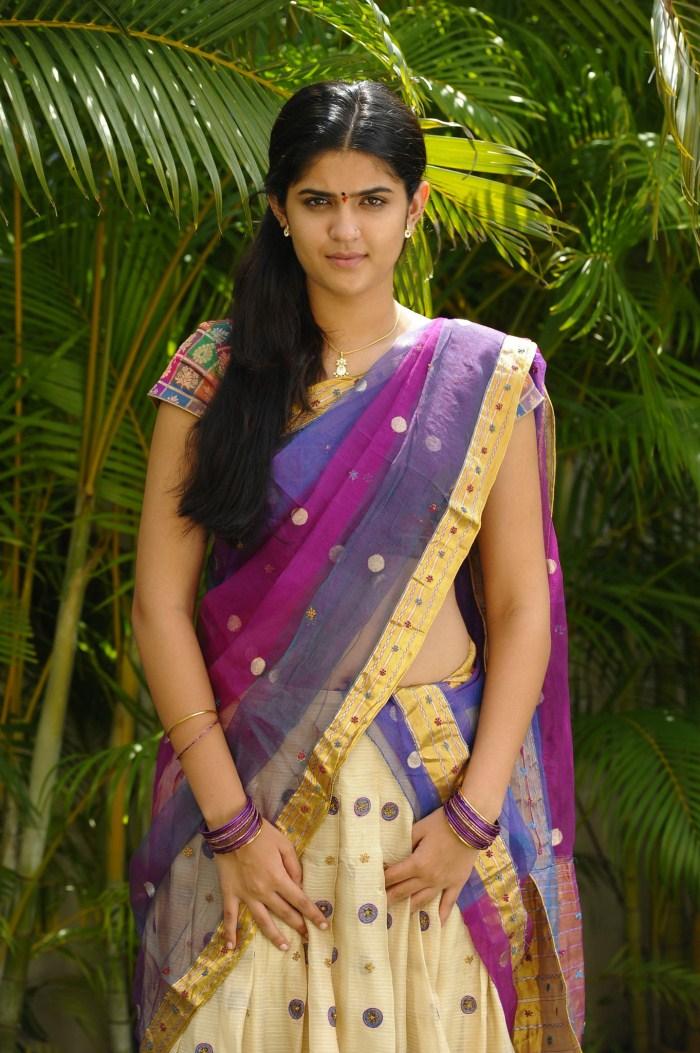 Karthika Nair Hot Navel In Saree cute photos: Dee...