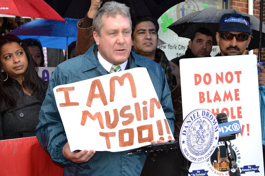 "jackson heights muslim Standing amid the throng of people gathered at diversity plaza on sunday evening, an emotional danny dromm held up a sign with the words, ""i am muslim too""the simple gesture from the city councilman, who is openly gay, underscored a powerful message that dominated in jackson heights the wake of the."