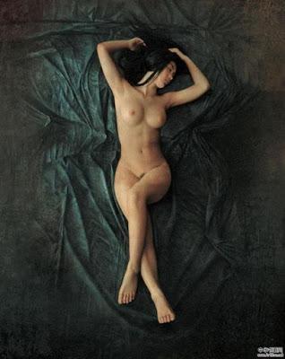 Desnudo Femenino Pintura China Li Xiaogang