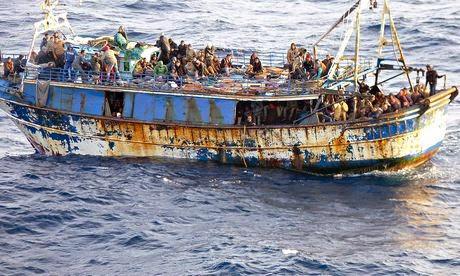 Μετανάστες σε καράβια