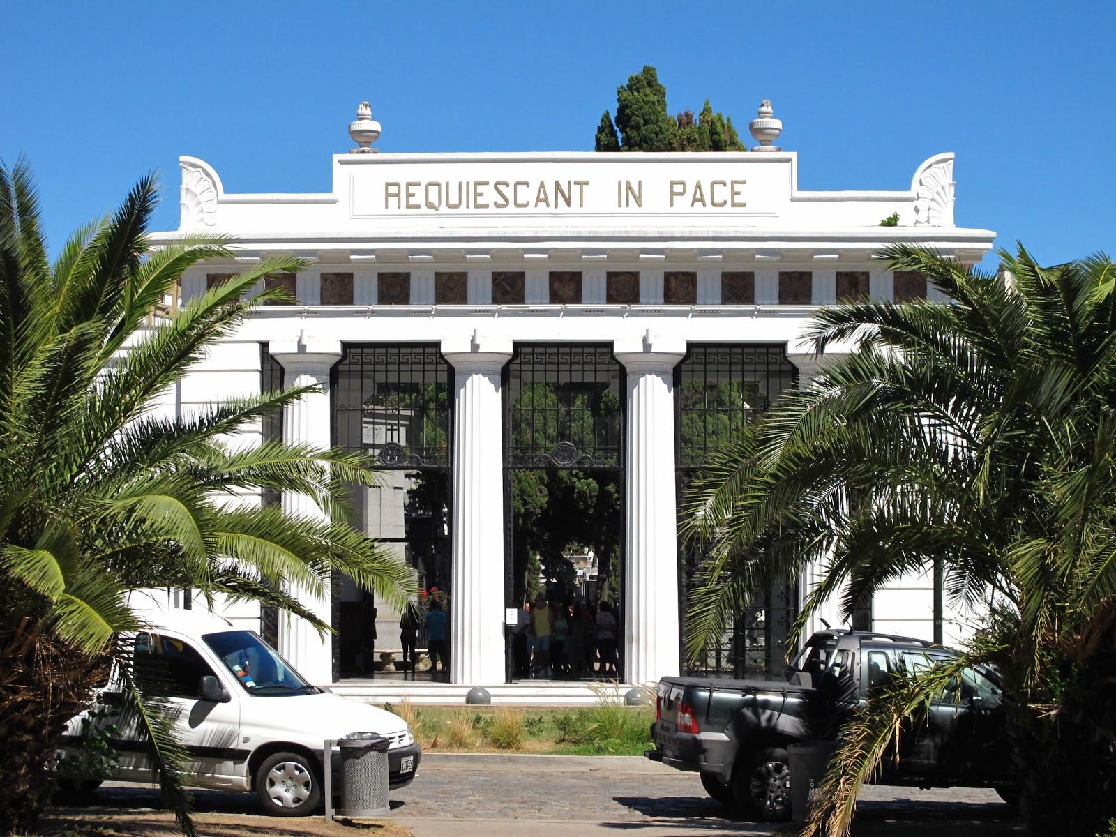 Edificios y monumentos de buenos aires cementerio de la for Cementerio jardin del mar