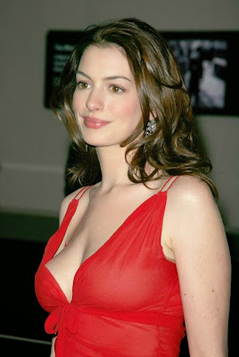 Anne-Hathaway-Hot