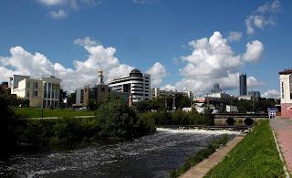 Paseo del río en Ekaterimburgo, transiberiano 2015