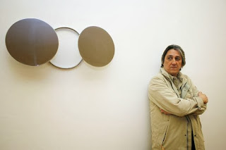 Waltercio Caldas in gallery