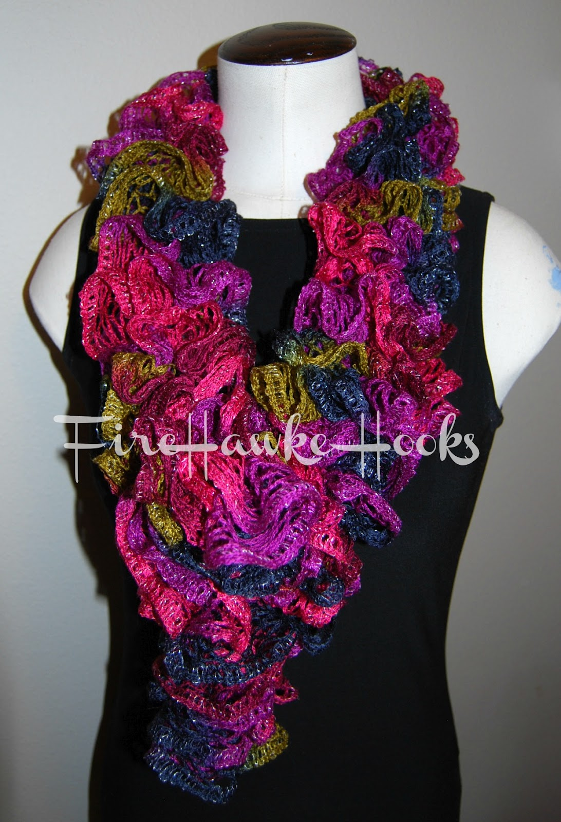 Crochet Patterns Ruffle Scarf : Firehawke Hooks and Needles: Free Pattern - Ruffle Scarf