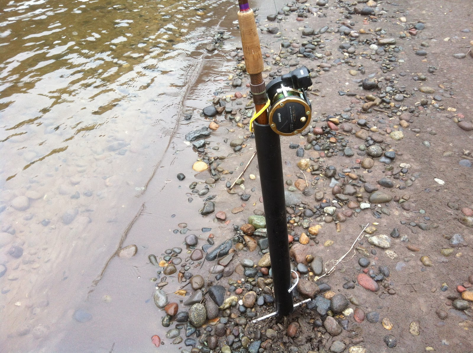How to fish for salmon rod holder for bank fishing plunking for Bank fishing rod holders