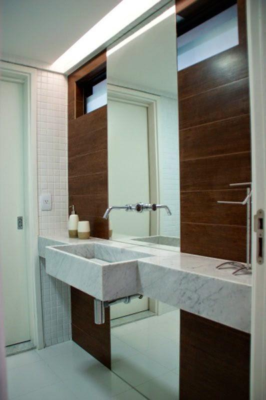 12 Banheiros e lavabos com porcelanato que imita madeira!!  Jeito de Casa   -> Banheiro Pequeno Com Porcelanato Grande