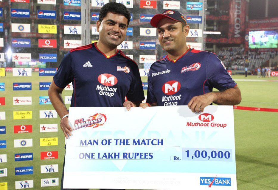 Virender-Sehwag-Man-of-the-Match-DD-vs-MI-IPL-2013