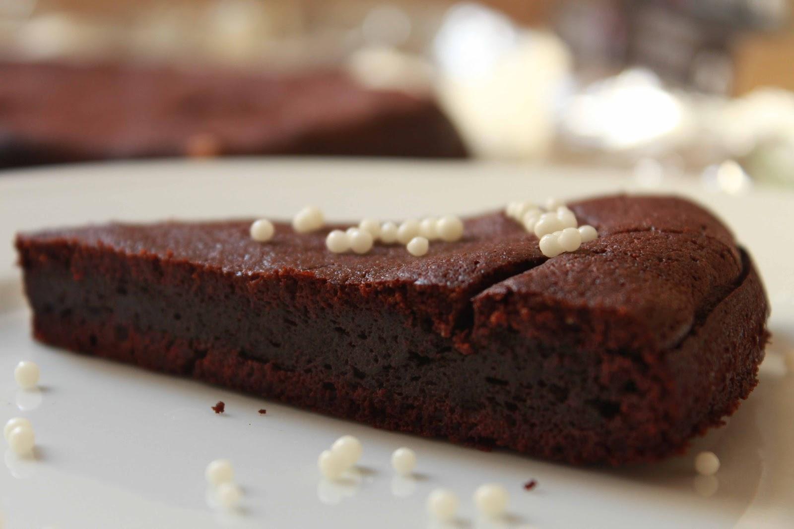 Unsuz Çikolatalı Pasta Kek