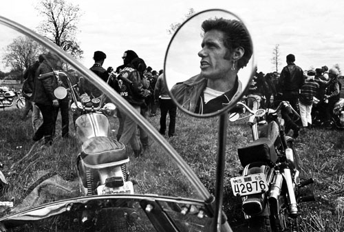 masters of photography : Danny Lyon : photo of chopper rider reflection on mirror