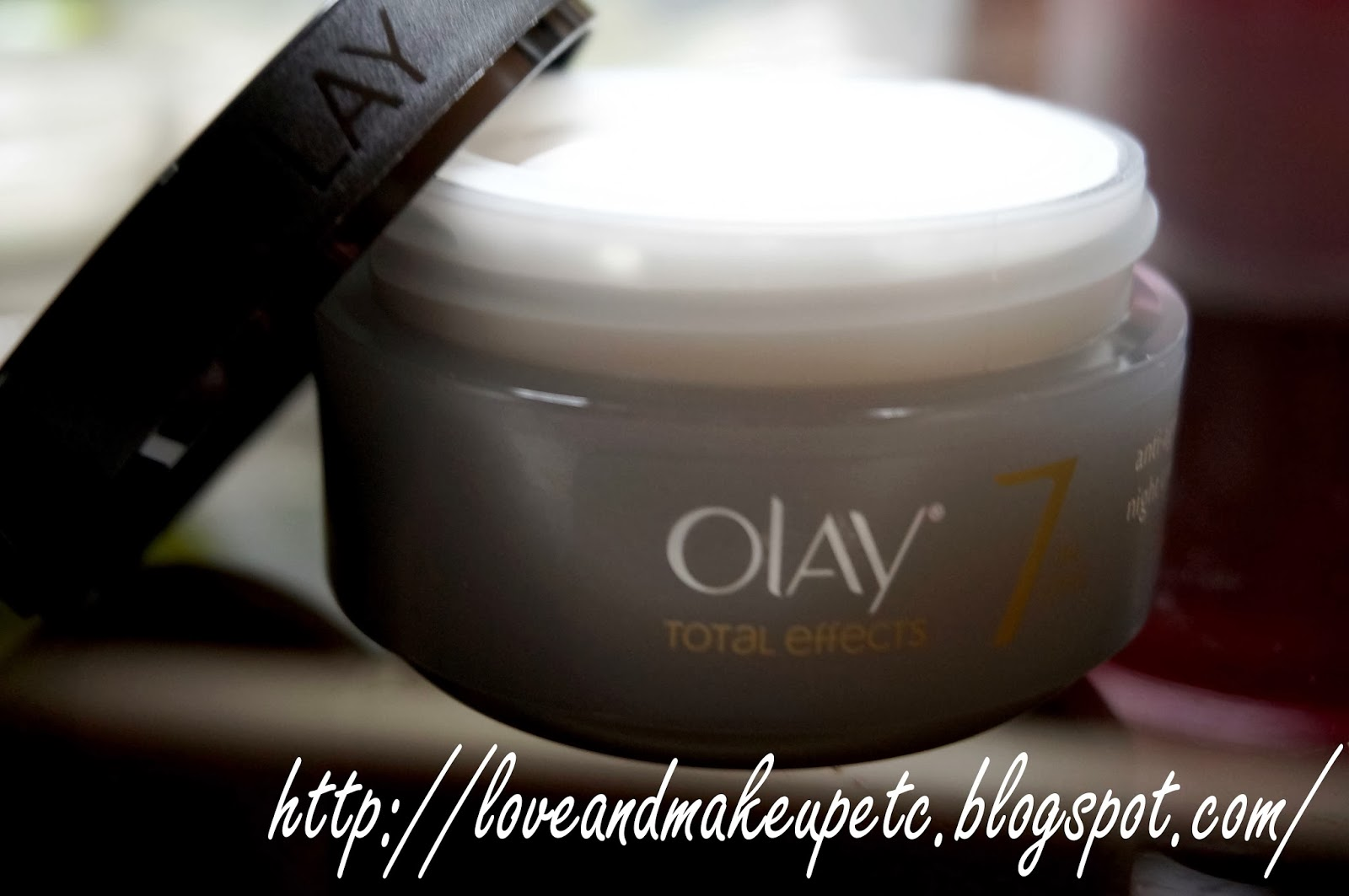 Love Makeup Etc Review Olay Total Effects 7 In 1 Anti Ageing One Night Cream 50gr The Is Thick And Smooth Easy To Apply It Smells A Bit Like Beauty Soap Or Maybe Mild Shampoo