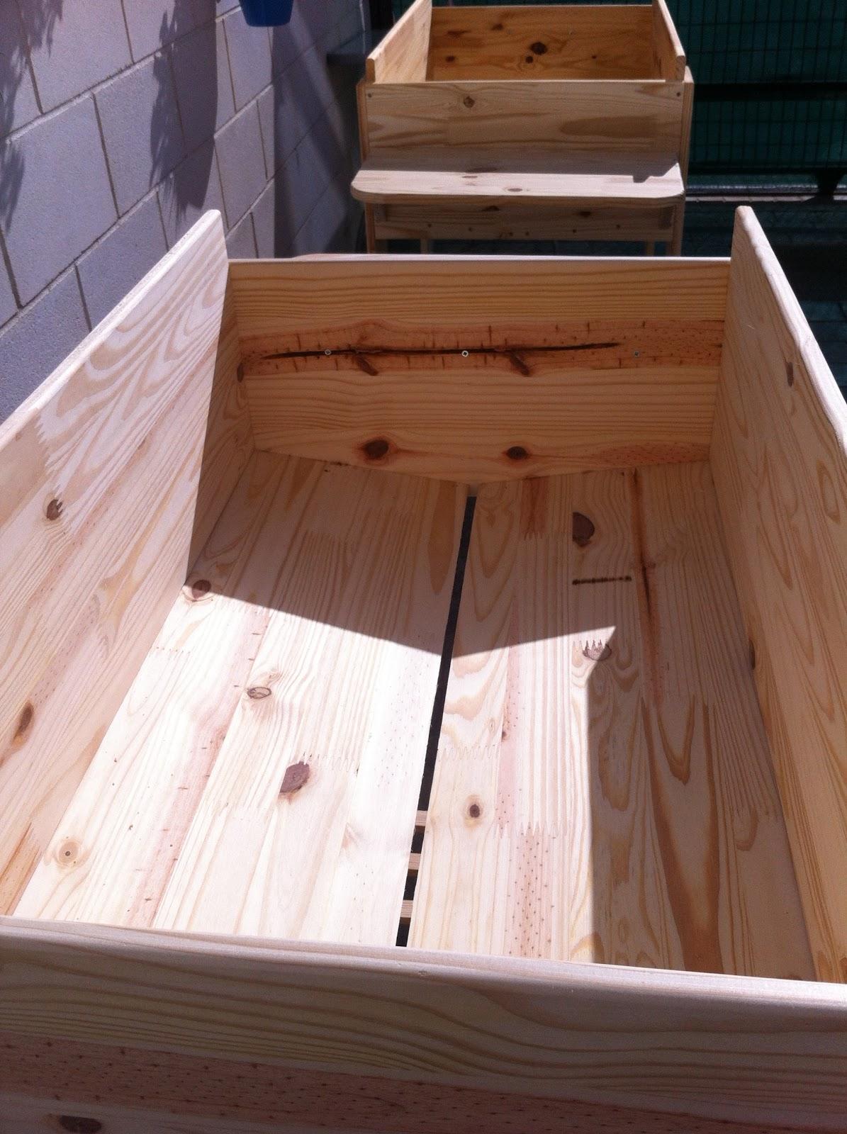 Mis inventos huerto urbano mesas de cultivo for Cultivo pimiento huerto urbano