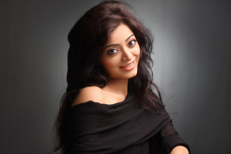 Actress Janani Iyer Hot Photo Gallery Photoshoot images
