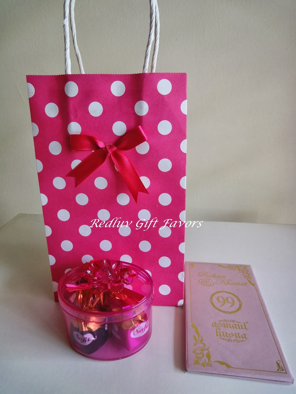 RedLuv Gift Favors: Package
