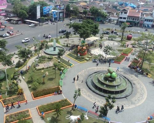 Alun-Alun Kota Batu Malang