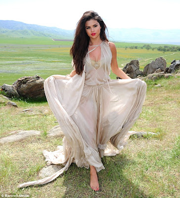 Selena gomez 2013 come and get it music video