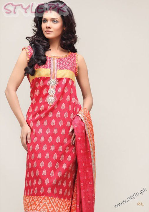 Awesome WORLD FASHION Dresses Girls For Pakistan 2012 1001