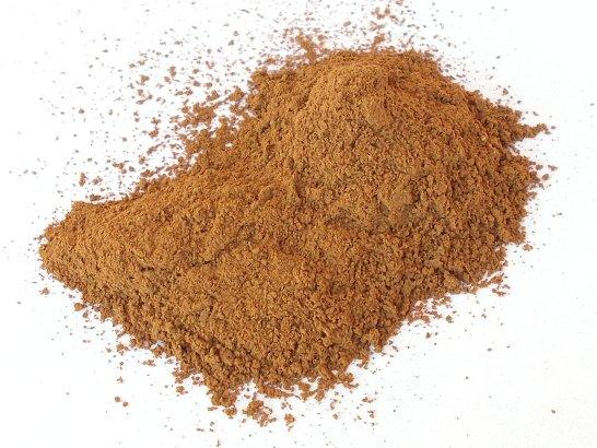 Il pigmento rosso bruno ricavato dalla terra colorante di Raiatea