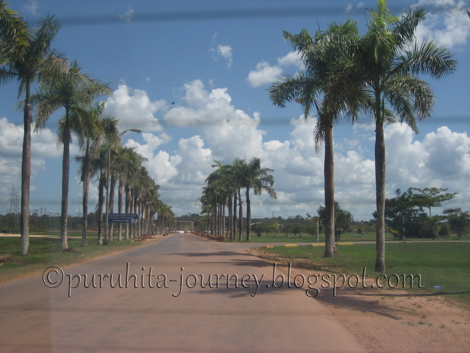 Salah satu contoh suasana Paramaribo.