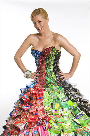 Recycled fashion gorgeous collection of paper cans used jeans world latest fashion news - How to reuse old clothes well tailored ideas ...