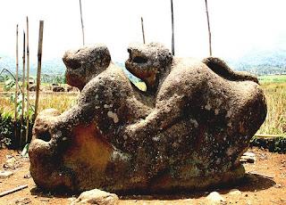 batu macan kaki empat