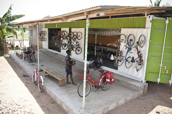 Safari Fusion blog | Ship it [part 1] | Re-cycle Bikes to Africa project in Ghana | Unwanted pre-loved bikes are shipped to Africa, restored and distributed