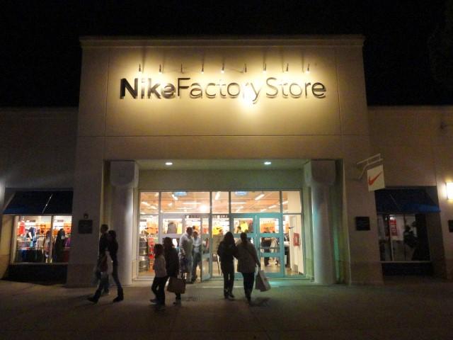 oakley outlet store 0grk  Oakley Store Florida
