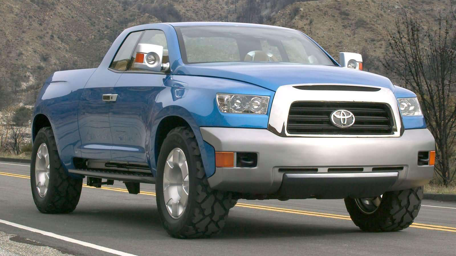 New 2015 Toyota Hilux Preview @ FTX Concept