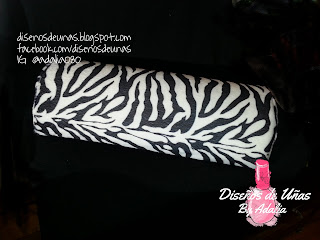 http://www.ladyqueen.com/hand-rest-cushion-pillow-towel-nail-art-manicure-care-salon-soft-column-washable-na0053.html