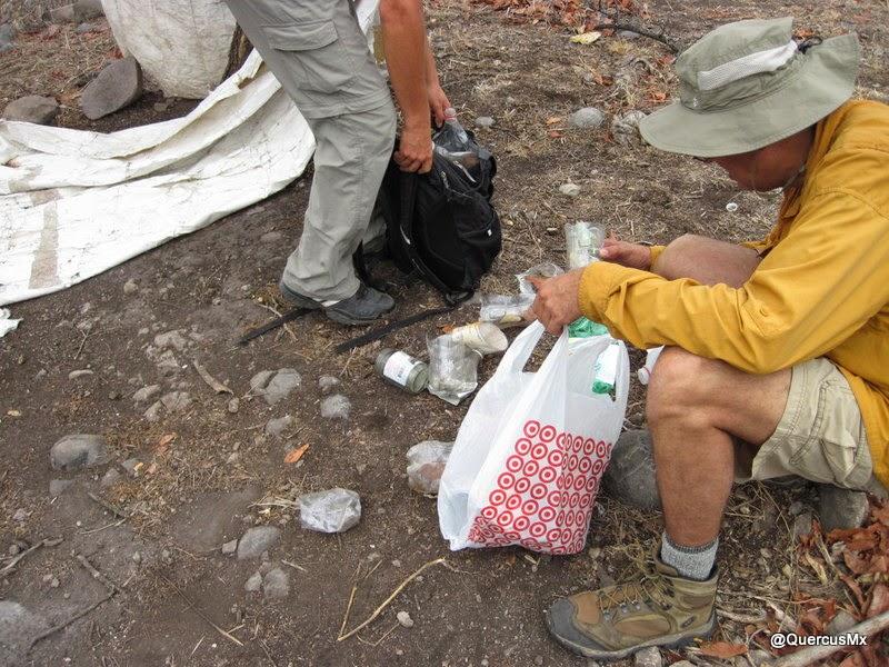 Limpiando la Sierra del Tecuán