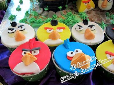 angry birds polar cupcakes