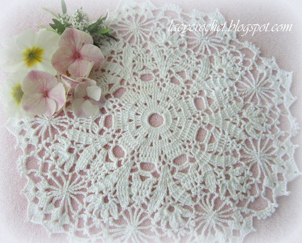 Free Crochet Patterns For Beginners Doilies : Lacy Crochet: Free Doily Patterns