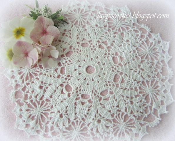 Free Crochet Doily Patterns Charts : Lacy Crochet: Free Doily Patterns