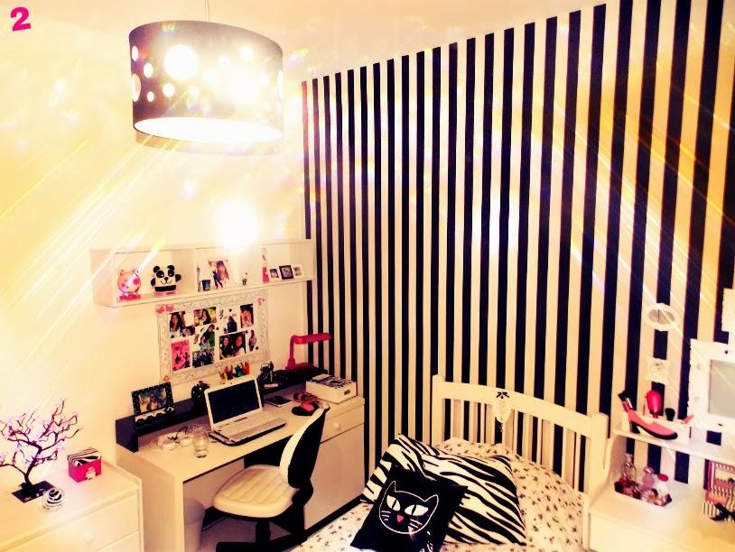 Achei tão perfeito esse quarto branco com tantos detalhes em preto, e