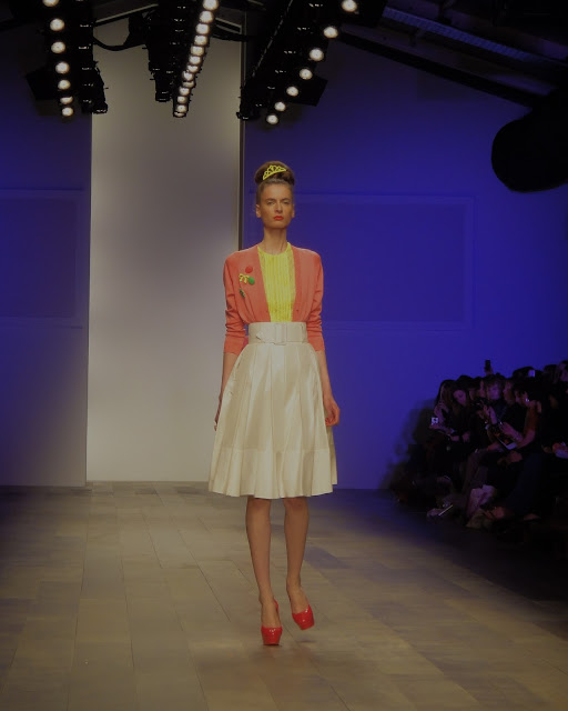 London Fashion Week, London Fashion Weekend, London, Fashion, color blocking, spring, summer, orange, pink, blue, high-waist, skirt, shift dress, pumps