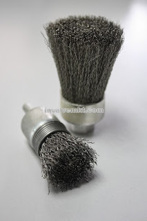 deburring brush, polishing brush, hole deburring, hole polishing