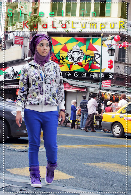 Turban Style with High Cut Sneakers