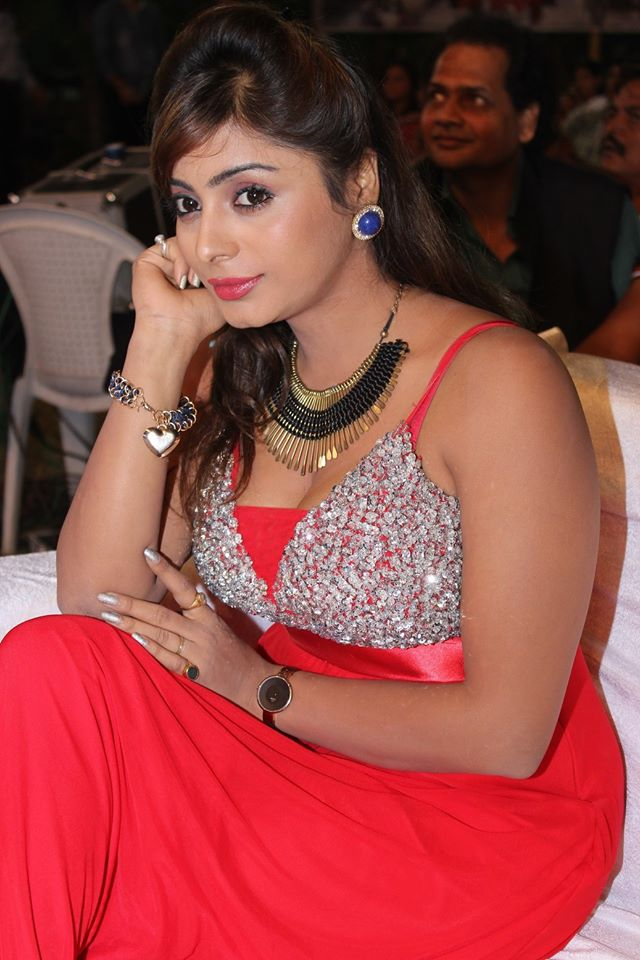Download Bhojpuri Actress Archana Singh HD Wallpapers - Latest Hot Pics, Images