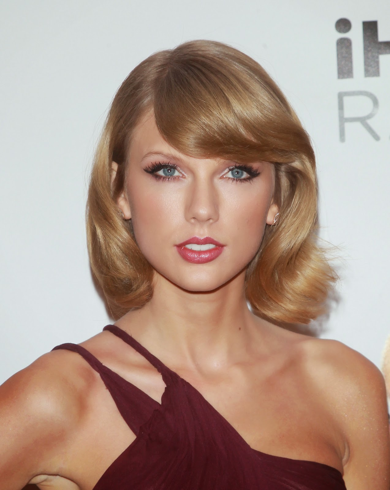 Taylor Swift Wears See-Through Dress To The Z100's Jingle ... Taylor Swift