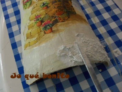 Teja decorada con papel de arroz
