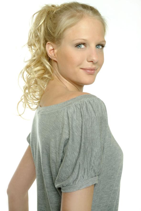 Liselotte Coorevits, de tweelingzus van Annelien Coorevits ...