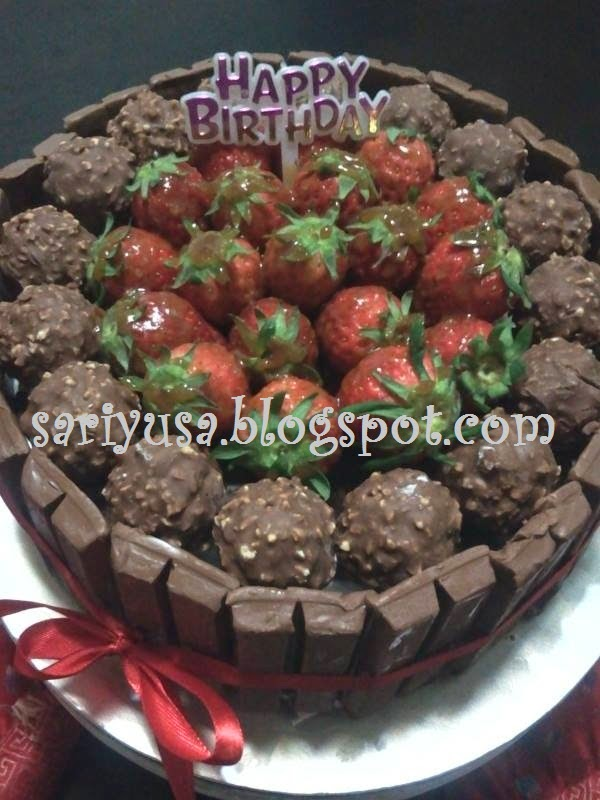 FLOURLESS NUTELLA CAKE WITH FERRERO ROCHER, KIT KAT & STRAWBERRIES FOR ER'S BIRTHDAY