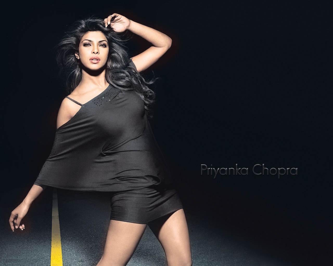 http://3.bp.blogspot.com/-rDH2PkWtPZ0/TuOVVWi0wLI/AAAAAAAADAM/oUPIw721BcY/s1600/Don2_Priyanka_chopra_wallpapers.jpg