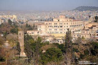Halil-ür Rahman Camii Minaresi ve Hotel El-Ruha