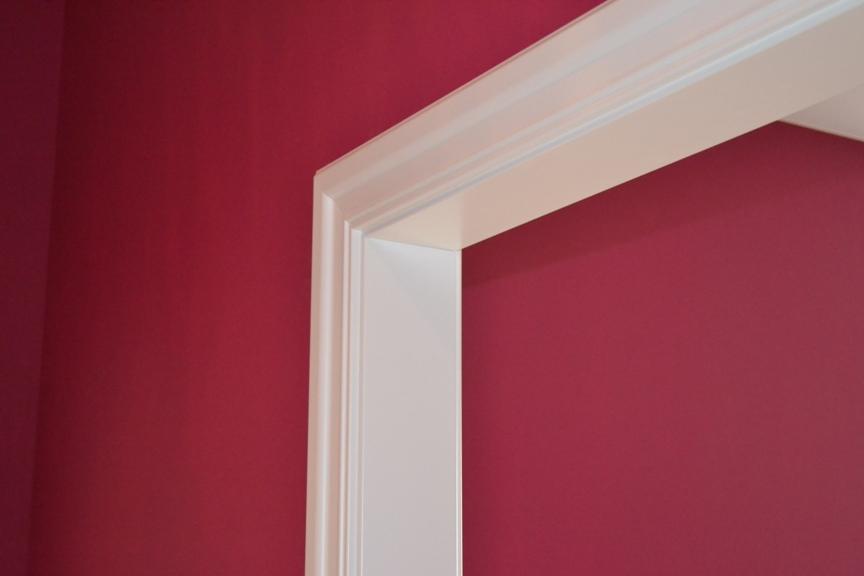 Дизайн на розовом фоне белые отоксы